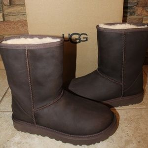 UGG Classic Short LEATHER Water Resitant Boots NEW